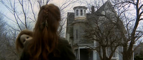 house-by-the-cemetery-screenshot